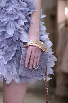 Catwalk photos and all the looks from Ralph & Russo Spring/Summer 2016 Couture Paris Fashion Week Feather Fashion, Gypsy Fashion, Purple Fashion, Couture Fashion, Fashion Show, Fashion Looks, Paris Fashion, Fashion Outfits, Ralph & Russo