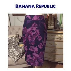 BANANA REPUBLIC FLORAL PENCIL SKIRT ~ NWOT BANANA REPUBLIC FLORAL PENCIL SKIRT ~ Gorgeous Fall Colors ~ Back zipper w/hook & eye ~ Lined ~ Slit up the back for easy movement ~ At knee or below knee (depending on height) #0400 Trades or Holds ✅Use offer option ❤️Bundles Banana Republic Skirts Pencil