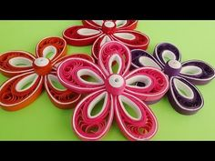 In this tutorial i will teach you how to make a beautiful paper quilling flower for decoration. This tutorial it& made for beginners , it& a step by step i.Quilling, Wall Hanging Making at Home, How to Make Wall Hanging Making at Home . Arte Quilling, Quilling Videos, Paper Quilling Jewelry, Quilling Craft, Quilling Techniques, Quilling Flowers Tutorial, Quilling Patterns, Quilling Designs, Flower Tutorial