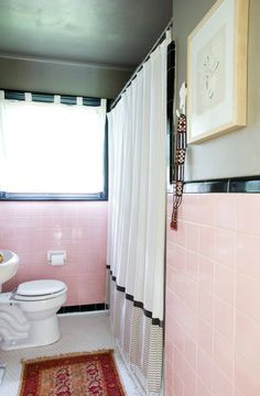 The Trick To Surviving A Colorful Vintage Tiled Bathroom