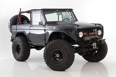 Custom Ford Bronco with 351 Engine