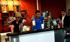 En esta semana se desarrolla la Liga en la ciudad de San Pedro Sula capacitación para Bartenders curso Básico y Avanzado bajo el programa Embajador Istmania con el internacional Adrian Juarez vicepresidente de la IBA con el patrocinio de Hotel #Copantl Club centro social Hondureño Arabe Casa del Ron la Alianza de Bartenders de Honduras  y Distribuidora Istmania con sus marcas líderes #platahn #makanazo #tatascan Vodka #tovarich #RonFlordeCaña #ronesbotran #botranxl #zacapa #Quezalteca…