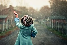 photography, portraiture inspiration, art photo, young beautiful woman catching snowflakes