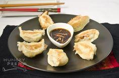 My Crispy Chinese Pan-Fried Dumpling (锅贴) Oriental Recipes, Oriental Food, Asian Recipes, Dim Sum, Dumplings, Chinese Food, Fries, Cooking Recipes, Eat