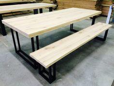 Eiken tafel + bankje staal 3cm www.kaldenbach-meubels.nl