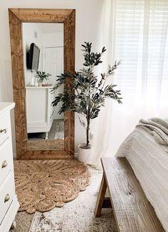 Wood Bedroom, Bedroom Flooring, Modern Bedroom, Bedroom Decor, White Bedroom, Master Bedroom, Wood Framed Mirror, Diy Mirror, Mirror Ideas