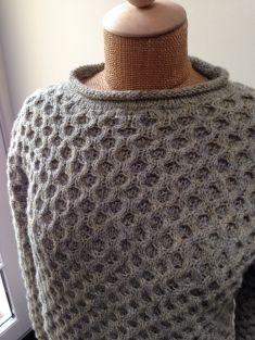 Flot vaffelsweater til ham eller hende, håndstrikket i vores 100% ren ny uld.