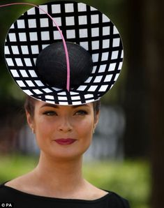 Lady Martha Lynn wearing a monochrome inspired hat on day 5 of Royal Ascot 2014 Millinery Hats, Fascinator Hats, Fascinators, Headpieces, Caroline Reboux, Royal Ascot Hats, Race Wear, Types Of Hats, Crazy Hats