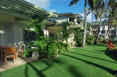 The private lanai at Turtle Bay Ocean Villas is surrounded by tropical greenery. #Hawaii #Oahu