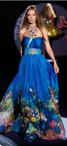 Zuhair Murad ocean dress, margo, this is the one Style Couture, Couture Fashion, Runway Fashion, Zuhair Murad, Beautiful Gowns, Beautiful Outfits, Gorgeous Dress, Style Bleu, Mode Glamour