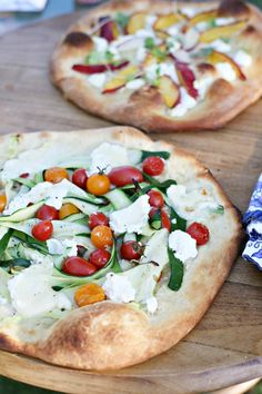 Two No-Sauce Summer Pizza Recipes – Yummy Mummy Kitchen Nectraine and goat cheese & tomato, zucchini and burrata Pizzas – Yummy Mummy: Two No-Sauce Summer Pizza Recipes Pizza Recipes, Cooking Recipes, Healthy Recipes, Tostadas, Great Recipes, Favorite Recipes, Tasty, Yummy Food, Yummy Lunch