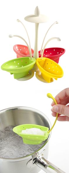 Egg poacher boats // the tail hangs on the saucepan edge & keeps the egg from floating away #product_design