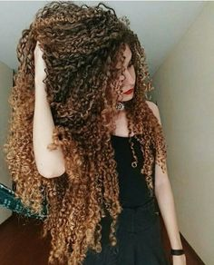 Stylish Long Curly Hairdos That You Must See Longues coiffures 0 Ağu 2018 Long hairstyles 0 Whether natural or curly, curly hairs. , Stylish Long Curly Hairdos That You Must See , , image_alt] Very Long Hair, Long Curly Hair, Curly Girl, Big Hair, Wavy Hair, Kinky Hair, Curly 3b, Curls Hair, Deep Curly