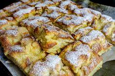 Krämiga vaniljbullar i långpanna Artisan Bread Recipes, Baking Recipes, Keto Recipes, Cake Recipes, Swedish Recipes, Fika, Pavlova, Afternoon Tea, A Food