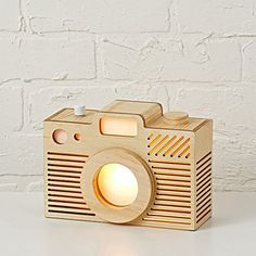 Great for young shutterbugs, this camera-shaped tabletop night light casts a steady, soothing glow that can be seen from all sides. Cute Home Decor, Retro Home Decor, Fall Home Decor, Home Decor Kitchen, Unique Home Decor, Kids Decor, Cheap Home Decor, Decor Ideas, Gift Ideas