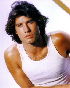 Living in the Heartthrob John Travolta. Black Power, 1970 Hairstyles, Male Hairstyles, Men's Haircuts, Funky Hairstyles, African Hairstyles, Formal Hairstyles, Flower Power, Nova Jersey