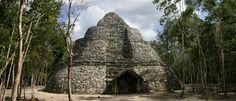 """""""COBA"""" tiene una extensión de 70 kilómetros cuadrados y una red de 45 caminos que comunica a los diversos conjuntos del sitio, y con otras comunidades menores, que seguramente dependían de su dominio. Cobá floreció en el periodo Clásico cuando llego a dominar una amplia región. Entre el 200 y el 800 d.C, Cobá fue una de las mayores metrópolis del mundo maya, hasta que su gran rival, Chichen Itza extendió su dominio."""