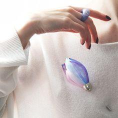 Brooch flower - Delicate brooch - Contemporary Jewelry - Pink flower - Gift beloved - Mesh jewelry