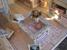 Liberty Biberty Shabby Cottage - The table is made from a picture frame.
