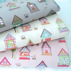 LITTLE HOUSES - ANTIQUE CHIC 100% COTTON FABRIC FOLKSY PATCHWORK RETRO