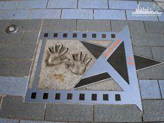 Аллея звезд.  Звезда Джеки Чана.  http://www.ritc.com.hk/