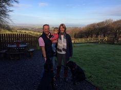 "Jules Hudson of BBC's ""Escape to the Country"" who stayed in Bay Tree Barn with his family and 2 Iolo & Teddy. Dog Friendly Holidays, Labradors, Dog Friends, Cottage, The Incredibles, Country, Couple Photos, Barns, Dogs"