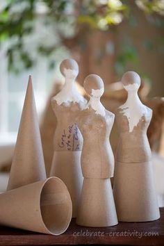 """Great idea for DIY tree topper: """"dress form"""", cone, and head (use masking tape if need be). Paper Mache Clay, Paper Mache Sculpture, Paper Mache Crafts, Clay Art, Paper Mache Tree, Diy Tree Topper, Tree Toppers, Paper Dolls, Art Dolls"""