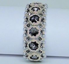 BLACK FRIDAY SALE Bracelet with Swarovski crystalsseed by gitta