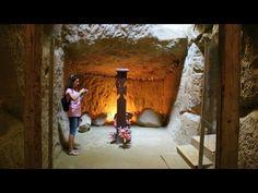 "Manastirea rupestra de la Sinca Veche sau ""Templul Ursitelor"" - YouTube Romania, Temple, Youtube, Painting, Art, Art Background, Temples, Painting Art, Kunst"