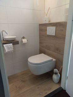 Toilet – # powder room # toilet # small toilet design ideas – Modern Bathrooms – Mix - Home Modelb Small Toilet Design, Small Toilet Room, Guest Toilet, Bathroom Design Small, Cloakroom Toilet Small, Washroom Design, Bathroom Interior Design, Ideas Baños, Tile Ideas