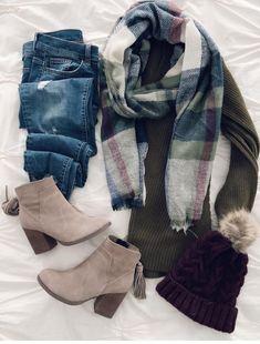 I love everything from the ankle boots to the checkered scarf .- Ich liebe alles von den Stiefeletten bis zum karierten Schal und alles dazwische… I love everything from the ankle boots to the plaid scarf and everything in between … – # - Mode Outfits, Casual Outfits, Fashion Outfits, Womens Fashion, Fashion Trends, Fashion Hats, Fashion Clothes, Fall Winter Outfits, Autumn Winter Fashion