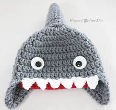 Free pattern in newborn-adult sizes! http://www.repeatcrafterme.com/2013/08/crochet-shark-hat-pattern.html