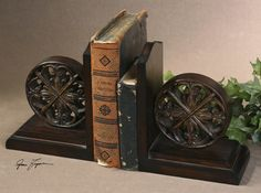 This set of bookends features a distressed, chestnut brown finish with burnishing and a tan glaze.8 W X 10 H X 5 D (in)