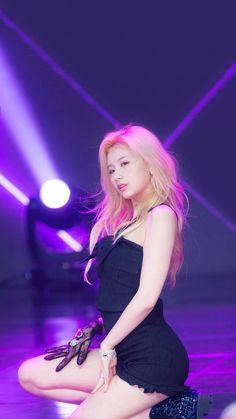 Kpop Girl Groups, Korean Girl Groups, Kpop Girls, Nayeon, Sana Momo, Sana Minatozaki, Dahyun, Brunette Girl, Sexy Asian Girls