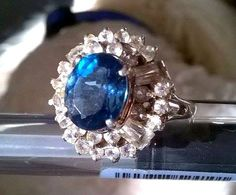Vintage sterling silver ring with london blue topaz