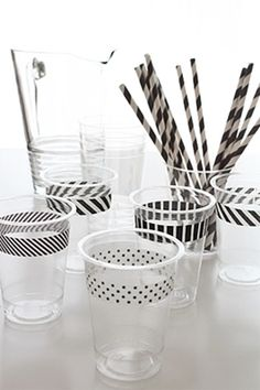Black and white washi tape on party cups. I have so much washi tape we could do this for any party with any color of washi tape. Tape Crafts, Diy Crafts, Festa Monster High, Party Fiesta, Do It Yourself Inspiration, Do It Yourself Wedding, Throw A Party, Party Entertainment, Masking Tape