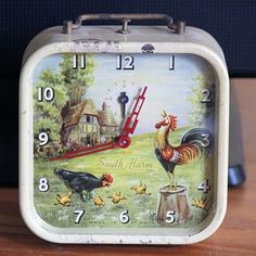 Animated Hen and Rooster Alarm Clock by Smiths - Clocks Rooster Alarm Clock, Alarm Clocks, Unique Clocks, Vintage Clocks, Vintage Kitchen, Retro Vintage, Classic Clocks, French Provincial, Shabby Chic Decor