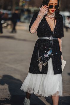 Street Style at the Paris Fashion Week Fall Winter 2018 19 0f91e3bae4c0e