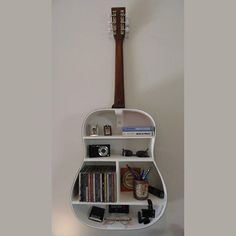 A nice solution to make your Boring old guitar useful