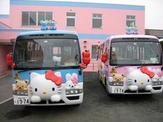 Who wouldn't wanna ride a Hello Kitty Bus? Cool