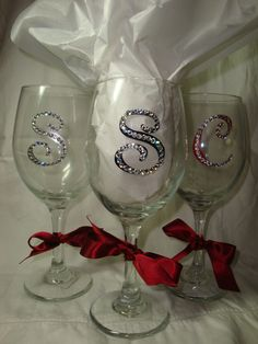 Rhinestone Monogrammed Wine Glass by ChicExpressionCards on Etsy Diy Wine Glasses, Decorated Wine Glasses, Hand Painted Wine Glasses, Wine Glass Crafts, Wine Craft, Wine Bottle Crafts, Wine Bottles, Wedding Glasses, In Vino Veritas