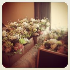 Never thought fake flowers could be so pretty. Wedding reception