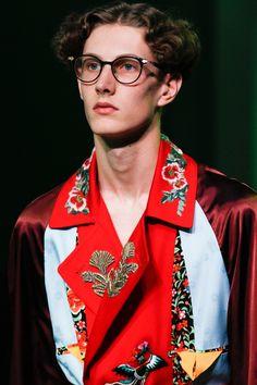 Gucci Spring 2017 Menswear Fashion Show - Gucci Menswear - Ideas of Gucci Menswear - Gucci Spring 2017 Menswear Accessories Photos Vogue Grunge Fashion, New Fashion, Trendy Fashion, Fashion Show, Fashion Tips, Fashion Design, Fashion Trends, Fashion Styles, Fall Fashion