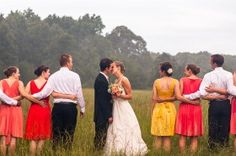 i like this wedding party pose.