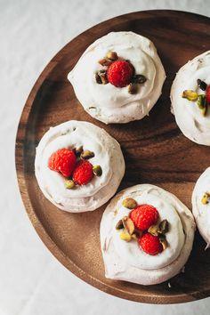raspberry pistachio mini pavlovas from easy gourmet | my name is yeh