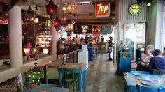Bazar Wereldeethuis - doet denken aan een verre vakantiebestemming en het menu van de dag kost 8,50