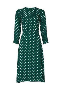 green polka dot engagement dress - engagement outfits Engagement Dresses, Engagement Photo Outfits, Engagement Photos, Stylish Suit, Rent The Runway, Polka Dot Print, Reformation, Casual Chic, Hemline