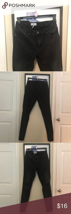 buy popular c163b a1846 Forever 21 black holey jeans 32 man   10 women Forever 21 black hole cut  jeans