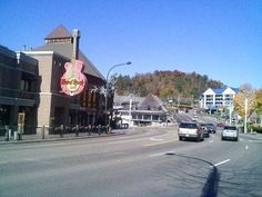 Gatlinberg Tennessee- Beautiful country!