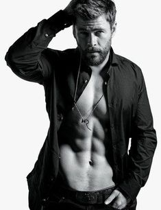 Chris Hemsworth Admits He Almost Lost Out Thor to His Younger Brother Liam Hemsworth Chris Hemsworth Thor, Chris Hemsworth Torse Nu, Chris Hemsworth Sem Camisa, Hemsworth Brothers, Mario Sorrenti, Hommes Sexy, Age Of Ultron, Hot Actors, Actors Male